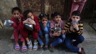 Gazzeli ailelere yemek yardımı
