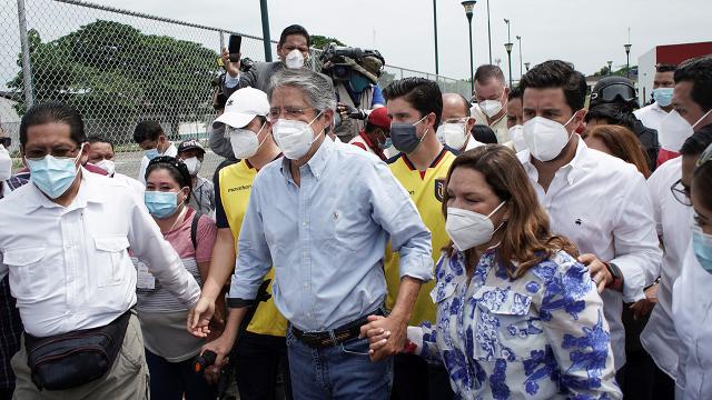 Ekvadorda devlet başkanlığı seçimini Guillermo Lasso kazandı