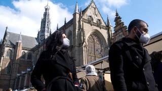 Hollanda'da kısıtlamalar gevşetiliyor