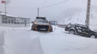 Karabük'te kar kalınlığı 60 santime ulaştı, köy yolları kapandı