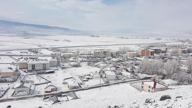 Bingölde kar yağışı etkili oldu
