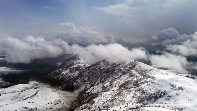Muşun yüksek kesimlerindeki köyler beyaza büründü