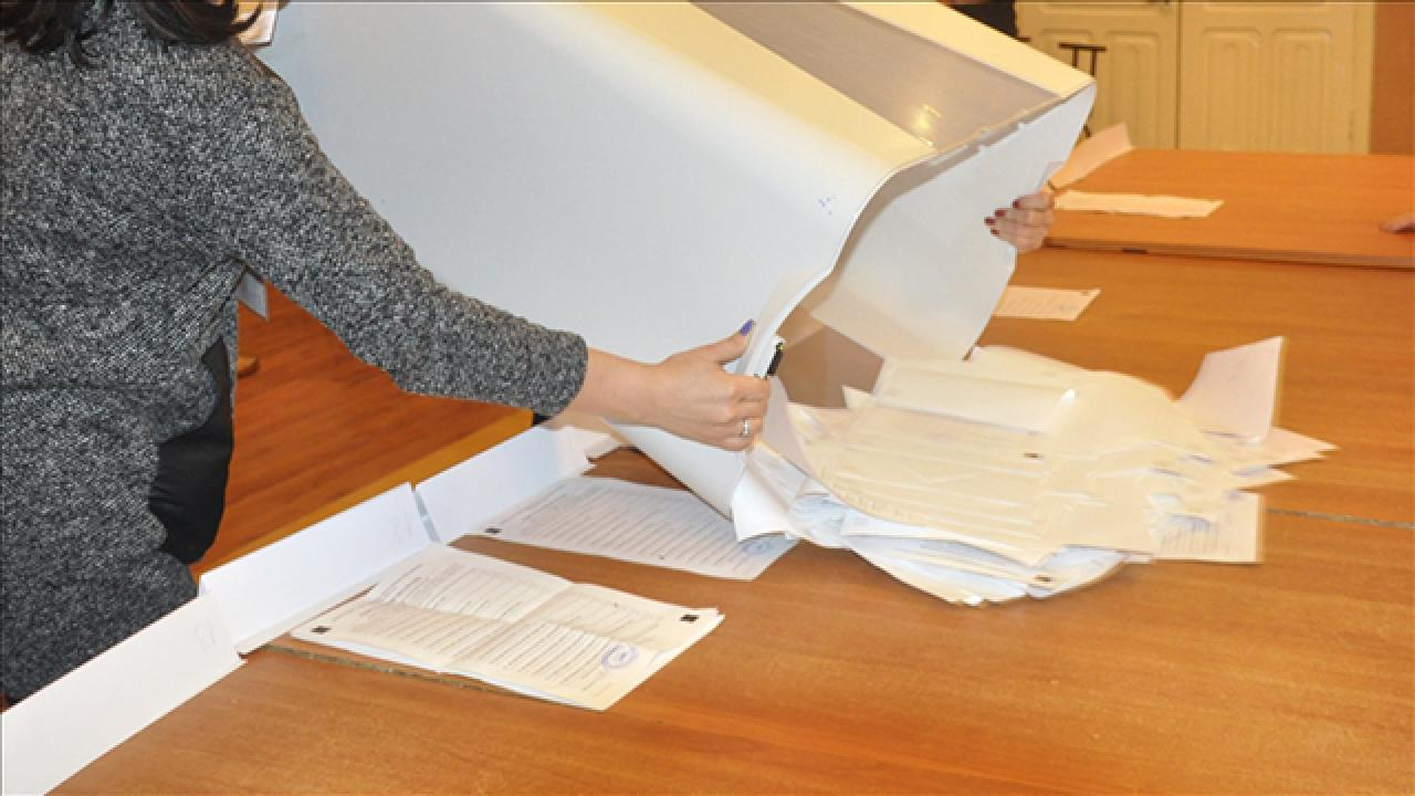 Kırgızistan'da yeni anayasa taslağı onaylandı