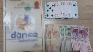 Kocaeli'de kumar oynayan ve Covid-19 tedbirlerini ihlal eden 12 kişiye cezai işlem uygulandı