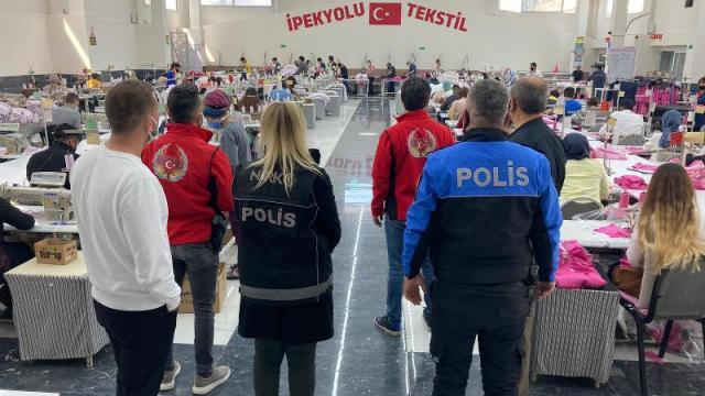 Mersin polisi, öğrenci ve işçileri bilgilendirdi