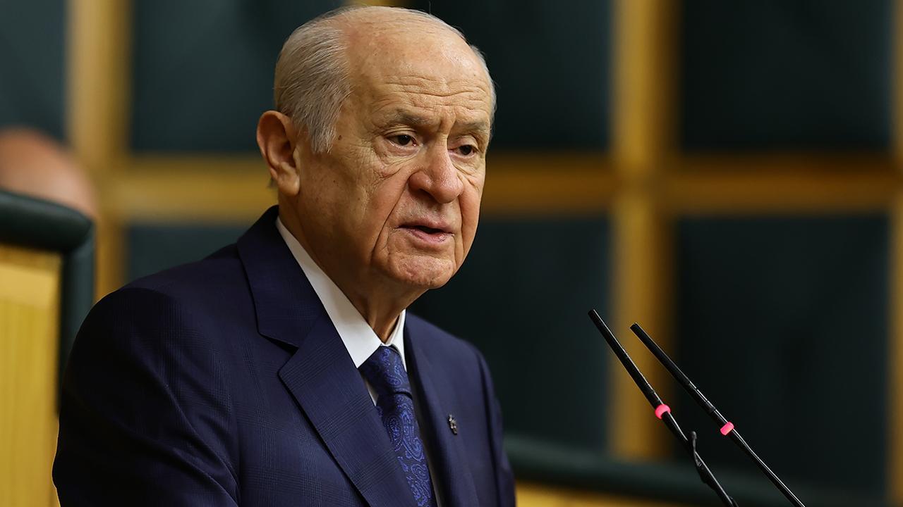 Bahçeli'den Kılıçdaroğlu'na: Korkakça değil, mertçe milletin huzuruna çıksın