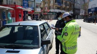 Ataşehir'de tedbirleri ihlal eden 17 kişiye para cezası