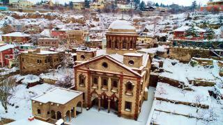 Talas'ta kar güzelliği