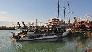 Antalya'da çıkan yangında iki tekne kullanılamaz hale geldi