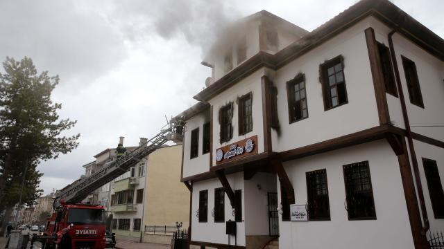 Masal Evinde çıkan yangında hasar oluştu