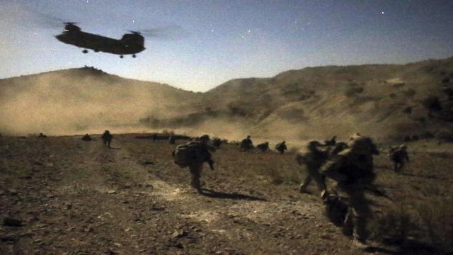 ABD ve NATO askerleri Afganistandan çekilmeye başladı