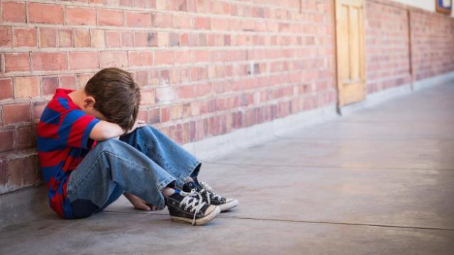 Öfke nöbetlerine karşı verilen tepki çocuğun davranışını belirliyor