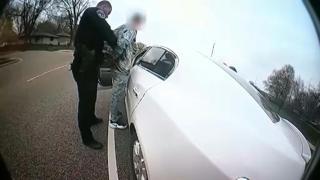 ABD'de siyahi genci öldüren polis cinayetten yargılanacak
