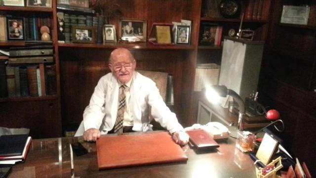 92 yaşındaki emekli doktora 10,6 milyon dolarlık tuzak