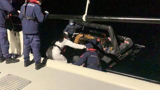 Yunanistan'ın ittiği 18 düzensiz göçmen kurtarıldı