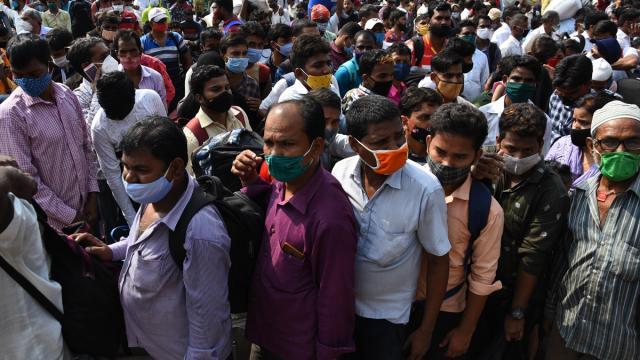 Hindistanda günlük vaka sayısı 261 bini geçti