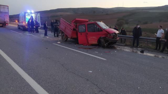 Kırıkkalede kamyon ve kamyonet çarpıştı: 1 ölü, 4 yaralı