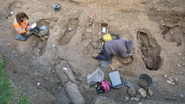 Korsikada arkeologlar binlerce yıl öncesine ait mezarlık buldu