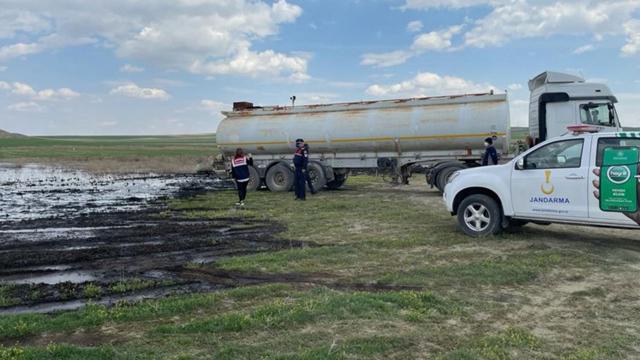 Lisanssız atık yağ taşıyan sürücüye 402 bin lira ceza
