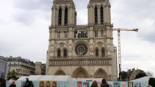 Yanan Notre Dame Katedrali'nin restorasyonuna hala başlanamadı