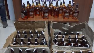 Akşehir'de 100 şişe kaçak viski ele geçirildi