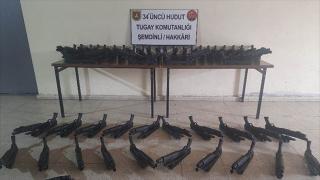 Van ve Hakkari'de silah ve mühimmat ele geçirildi