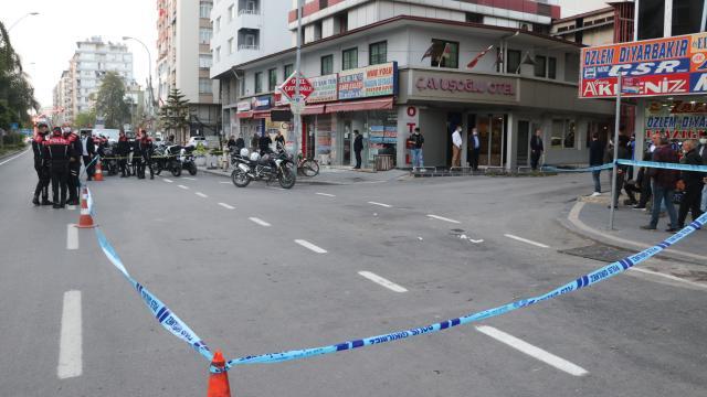 Adanada silahlı kavga: 3 yaralı