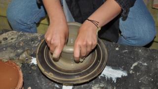 Vatandaşlardan çömlekçilik kursuna yoğun ilgi