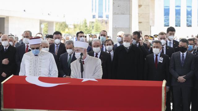 Yıldırım Akbulut için Mecliste cenaze töreni düzenlendi
