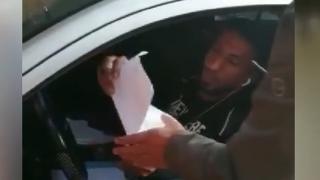 Polise 'arkadaşım' diyen korsan taksici yakayı ele verdi