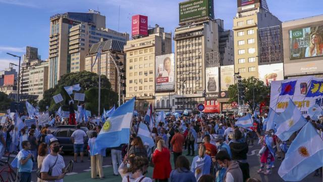 Arjantinde koronavirüs önlemlerine protesto