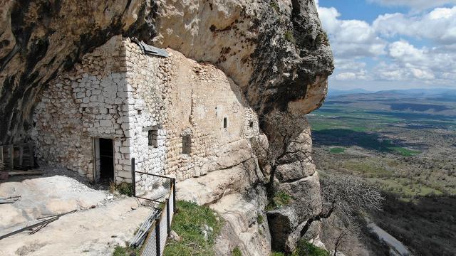 Diyarbakır'daki Ashab-ı Kehf mağarası turizme kazandırılıyor
