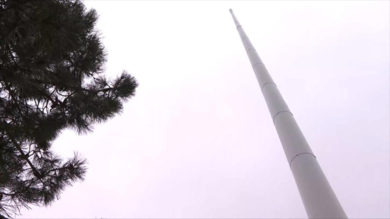 En uzun bayrak direği İstanbul'a dikildi