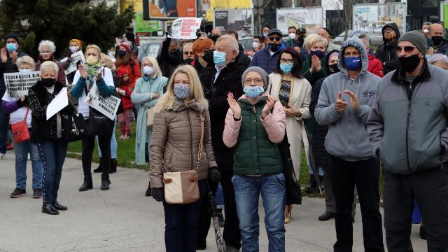Bosna Hersekte koronavirüs protestosu