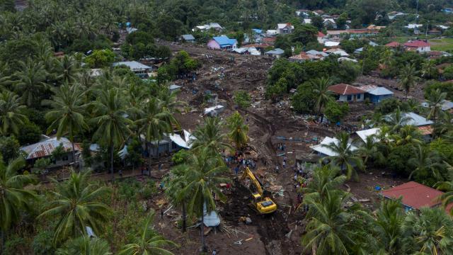 Endonezyadaki sel felaketlerinde can kaybı 181e çıktı