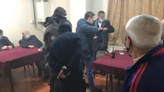 Kıraathaneye polis baskını: 24 kişiye para cezası