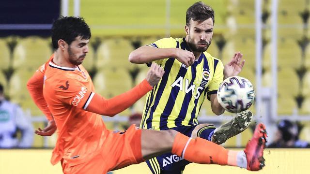 Fenerbahçe deplasmanda Başakşehire üstünlük kuramıyor