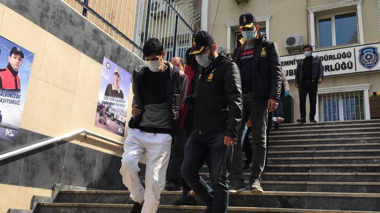 Sahte polisler 10 kişiyi 1 milyon lira dolandırdı