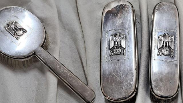 Hitlerin eşyalarını satan müzayede evine tepki