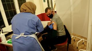 İngiltere'de oruç tutanlara özel aşı merkezleri kuruldu
