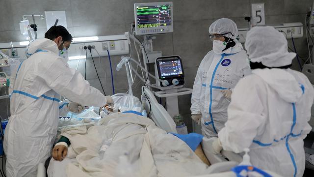 İranda COVID-19 krizi: Hastanelerde yer kalmadı