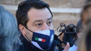 Eski İtalya İçişleri Bakanı 'insanları alıkoyma' suçlamasıyla yargılanacak