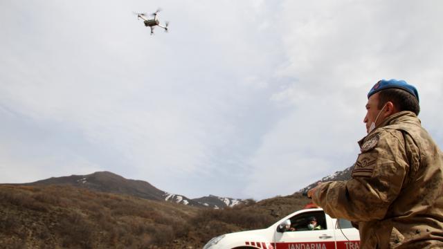 Sivasta jandarma trafik ekipleri drone ile uygulama yaptı