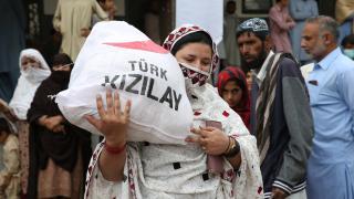 Pakistan'da 500 Türkmen aileye gıda yardımı