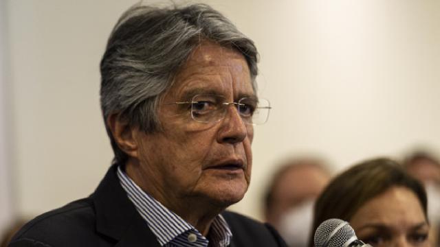 Ekvadorda Guillermo Lassonun yeni devlet başkanı seçildi