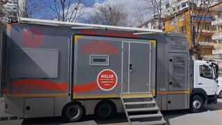 """Dünyanın ilk mobil laboratuvar aracı """"MOLAB"""" afet alanlarında görevde"""