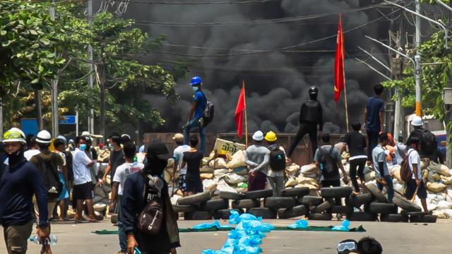 Myanmardaki darbe karşı gösterilerde can kaybı 737ye yükseldi