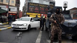 Şişli'de özel harekat polislerinin katılımıyla asayiş denetimi yapıldı