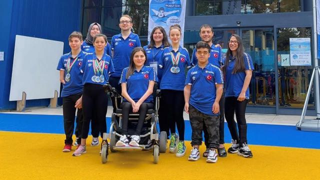 Paralimpik Yüzme Milli Takımından 14 madalya