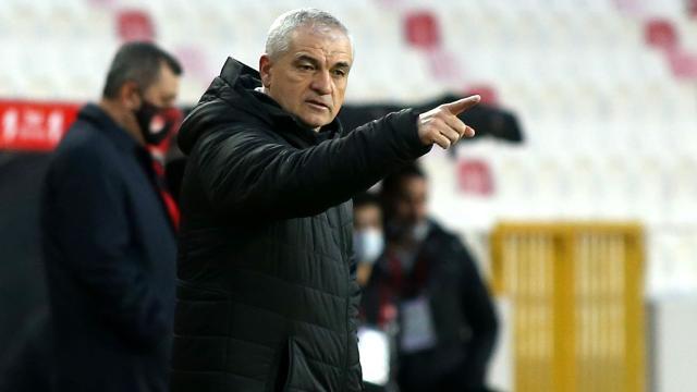 Rıza Çalımbayın Beşiktaşa şansı tutmuyor